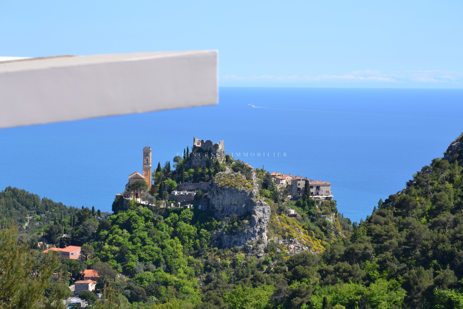 Zoom sur Eze village