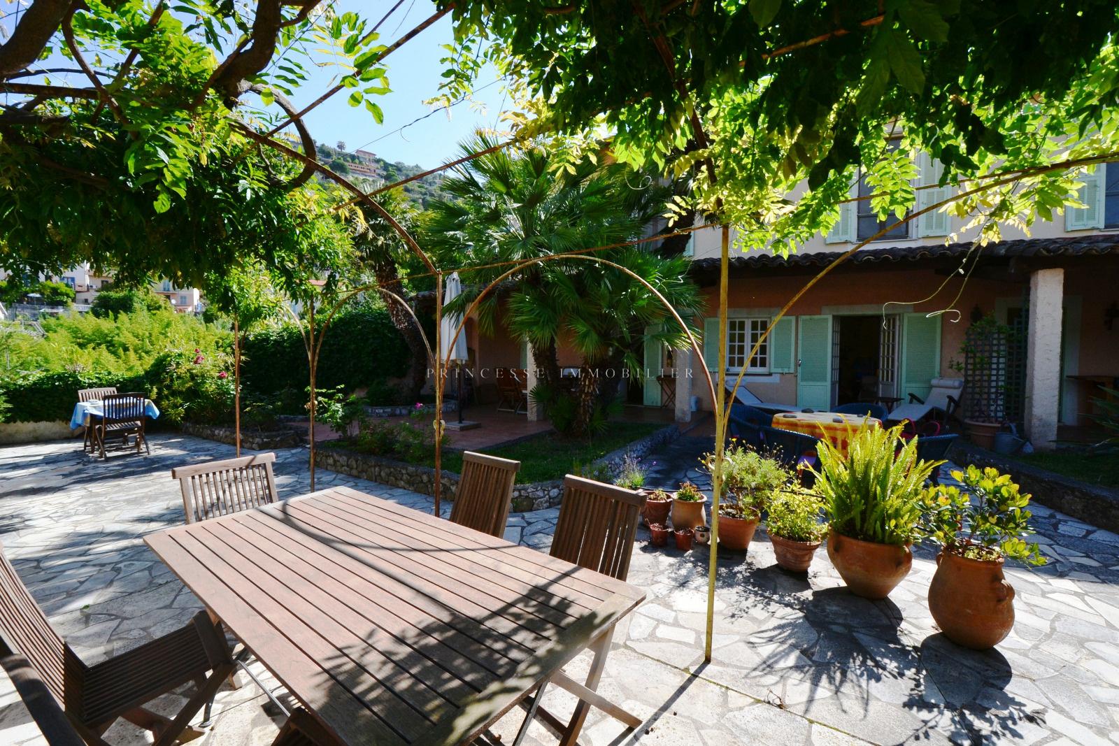 Vente villa menton avec princesse immobilier for Acheter maison menton